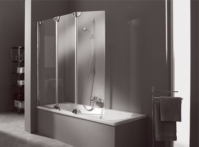 Стеклянная шторка на ванную Hueppe